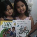 Niñas, niños, … y mayores aprenden a leer gracias a Cadena de Favores