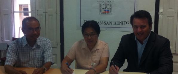 Firma convenio de colaboración Home Staff con Centro Social Filipino